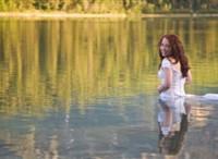 O tânără a murit înecată în timpul ședinței foto în rochia de mireasă
