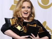 Premiile Grammy: Adele, marea câştigătoare, Rihanna, cea mai sexy prezenţă