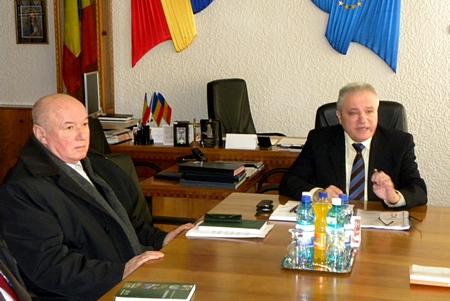 Prefect Eugeniu Avram, director Romsilva Sever Ster