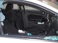 Spărgători de maşini prinşi de poliţişti