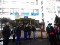 Amenințare cu bombă la Școala Avram Iancu. Sute de copii au fost evacuați