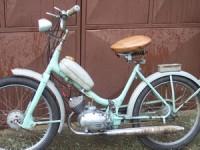 Prinși conducând mopede deși nu aveau permis