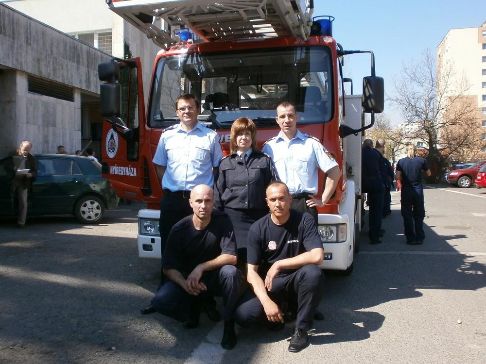echipa pompierilor satmareni