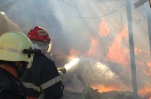 incendiu_pompieri_Mcula