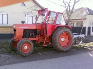 tractor-in-stalp