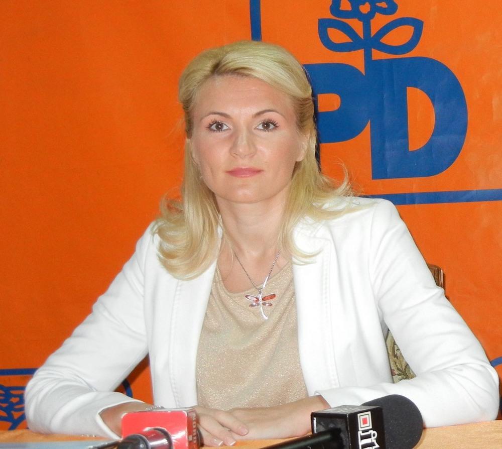 deputat Andreea Paul, conferinta PDL Satu Mare