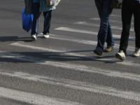 Pieton călcat pe trecere, de un autobuz