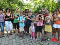 Nouă căţeluşi adoptaţi, la Târgul de adopţie a animalelor