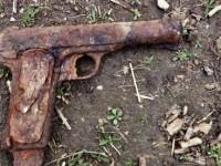 Pistol din al Doilea Război Mondial, găsit la Sanislău