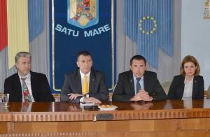 Conferința de presă în care s-a anunțat introducerea curselor 17 mai 2012