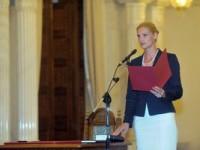 Ramona Mănescu a depus jurământul de învestitură în funcţia de ministru al Transporturilor
