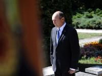"""Traian Băsescu, ATACAT cu pâine la Ţebea, la comemorarea lui Avram Iancu: """"DEMISIA!"""