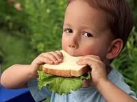 Alimentaţia copiilor mici