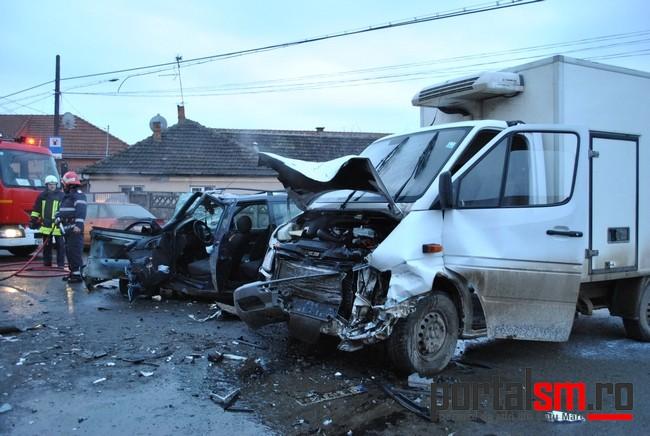 [Imagine: accident-Magnoliei-14.jpg]
