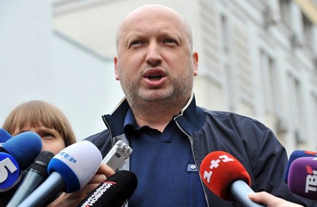 IANUKOVICI a încercat să dea mită pentru a fugi din țară. Cine este președinte interimar al Ucrainei