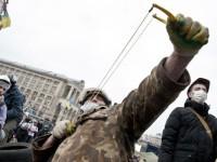 Noi violenţe în Ucraina. Parlamentul a fost evacuat. Protestatarii au spart mai multe depozite de armament, iar poliţia s-a retras din Piaţa Independenţei