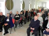 Primarul Dorel Coica a premiat cuplurile cu peste 50 de ani de căsătorie