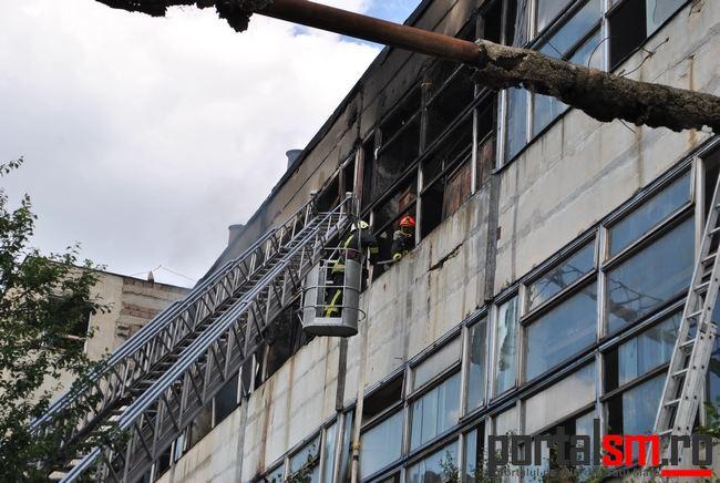 [Imagine: incendiu-Samobil-19.jpg]