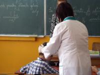Peste 200 de elevi cu păduchi, la început de an şcolar