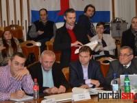 City managerul Dan Băbuţ, luat la 11 metri de consilierii locali