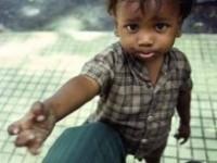 Condamnat la trei ani de închisoare pentru că a forţat un copil să cerşească