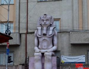statui uriase, Muzeul Judetean (1)