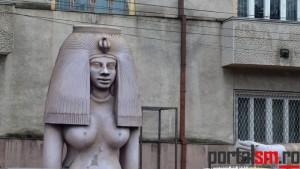 statui uriase, Muzeul Judetean (10)