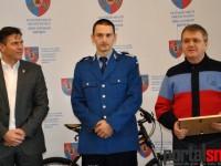 Jandarmul Adrian Tătar a primit o bicicletă de la Consiliul Județean
