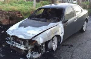 masina incendiata roma 15