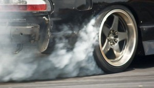 Tire_smoke_by_yougotslammed-600x344