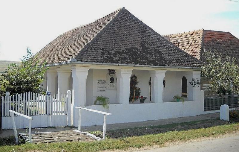 muzeul-etnografic-maghiar-sipos-laszlo-bogdand_52d5b97fbaebf_1389738367_b