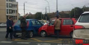 accident sens giratoriu Piata Romana (1)