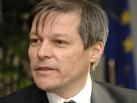 DACIAN CIOLOŞ, desemnat de preşedintele Iohannis pentru funcţia de premier. Cioloş a ajuns la Palatul Victoria