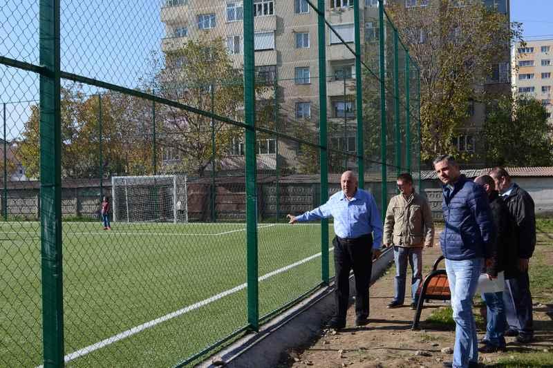 teren de fotbal2