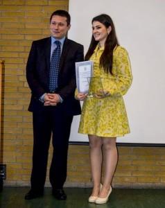 Laura Porcza alături de ambasaborul Cosmin Onisii