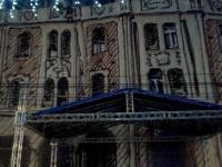 Hotelul Dacia acoperit cu o pânză artistică