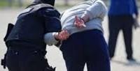 Bărbat de 50 de ani, reținut de polițiști după ce a sustras bani și a distrus bunuri dintr-un local