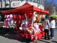 Kitschurile de Valentine`s Day nu mai au trecere în Sătmar. Vacanța e de vină (FOTO)