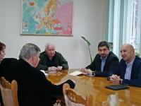 Prefectul Radu Bud continuă vizitele în județ. Problemele din administrație și ale cetățenilor în atenția specialiștilor din Prefectură