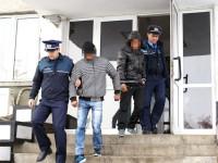 Doi tineri au furat de două ori din aceeași casă. Prejudiciul, 5.000 de lei