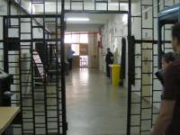 A încercat să introducă un telefon mobil în Penitenciar. S-a ales cu dosar penal