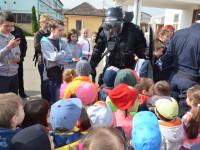 Jandarmeria, invadată de copii. Demonstrație în forță a jandarmilor sătmăreni (FOTO)