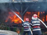 Incendiu provocat de o țigară la Livada. Ce a fost distrus de flăcări