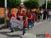 Marș antifumat la Satu Mare. Voluntarii Crucii Roșii au încercat să-i determine pe sătmăreni să se lase de fumat (FOTO)