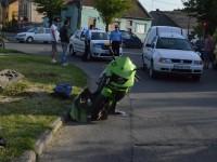 Accident la Satu Mare. Un motociclist s-a izbit de o dubă (FOTO)
