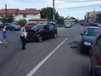 Accident cu trei mașini implicate la Satu Mare. Autoturismele, serios avariate (FOTO)