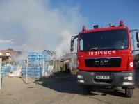 Incendiu de proporții provocat de un copil. O casă și un garaj, distruse (FOTO)