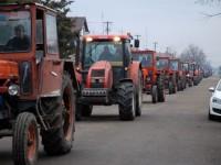 Fermierii ies în stradă. Miting de amploare la APIA și Prefectura Satu Mare