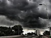 Se strică vremea: Avertizare meteo de furtuni și grindină
