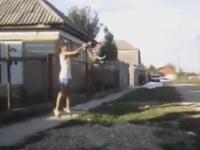 Doi minori au maltratat un biet cățel. Imagini șocante (FOTO&VIDEO)